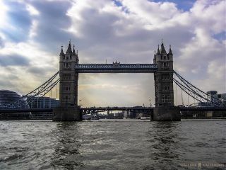 thames photography london rain bridge